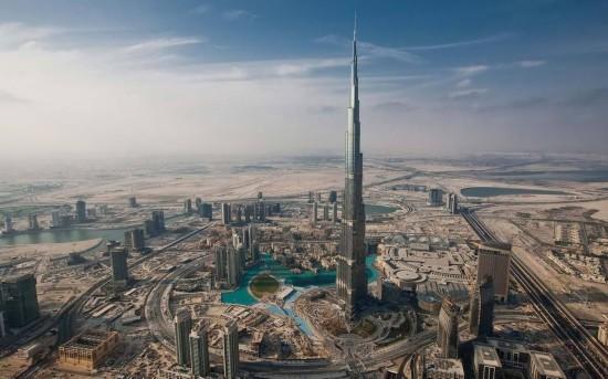 Galerie : la tour Burj Khalifa foudroyée