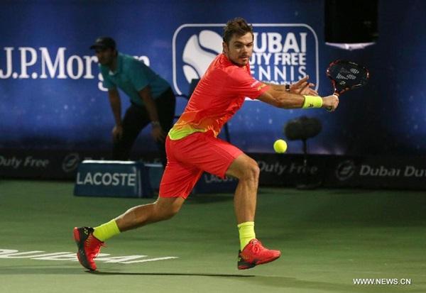 فاز اللاعب السويسري ستان فافرينكا المصنف 4 عالميا ببطولة سوق دبي الحرة لتنس فردي الرجال