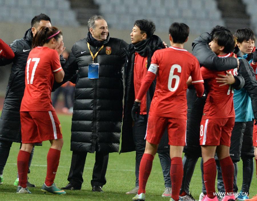 В олимпийском отборочном турнире сборная Китая по футболу среди женщин сыграла вничью с командой КНДР
