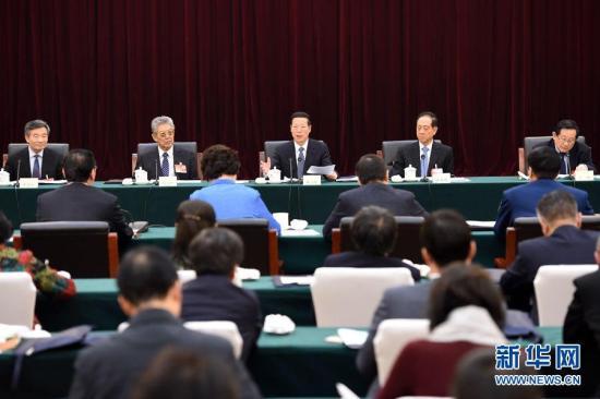 قادة الحزب والدولة في الصين يناقشون شؤون الدولة مع أعضاء المؤتمر الاستشاري السياسي للشعب الصيني
