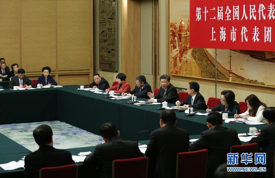 الرئيس الصيني يشارك في مراجعة تقرير عمل الحكومة مع وفد شانغهاي