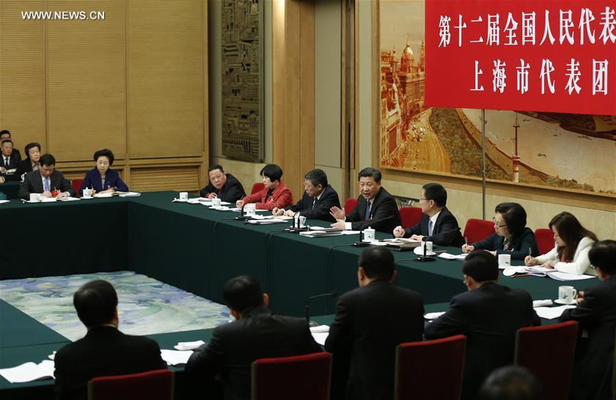 انضم الرئيس الصيني شي جين بينغ لمناقشات مجموعة تضم مشرعين من شانغهاي لليوم الأول للدورة السنوية للهيئة التشريعية الوطنية