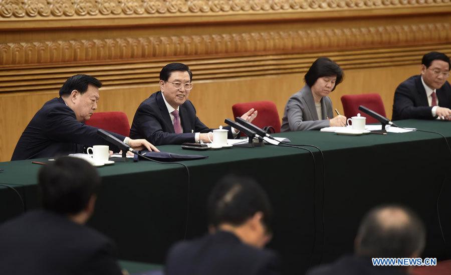 """Chine/deux sessions : de hauts dirigeants chinois insistent sur les """"quatre consciences"""""""