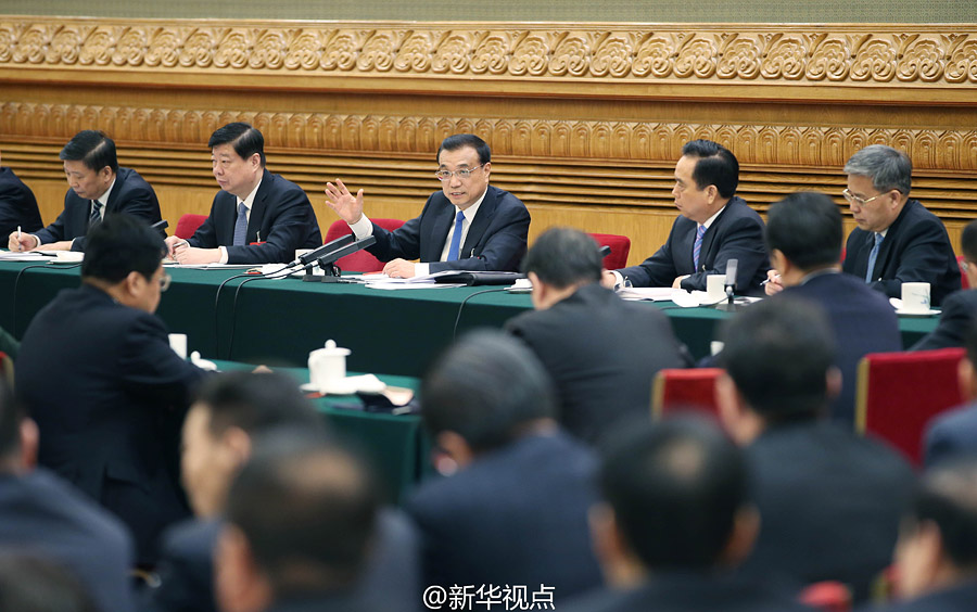 رئيس مجلس الدولة الصيني  يشارك في مراجعة تقرير عمل الحكومة مع وفد شاندونغ