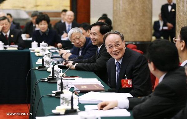 انضم وانغ تشي شان رئيس هيئة فحص الانضباط فى الحزب الشيوعى الصينى إلى مشرعين من مقاطعة لياونينغ
