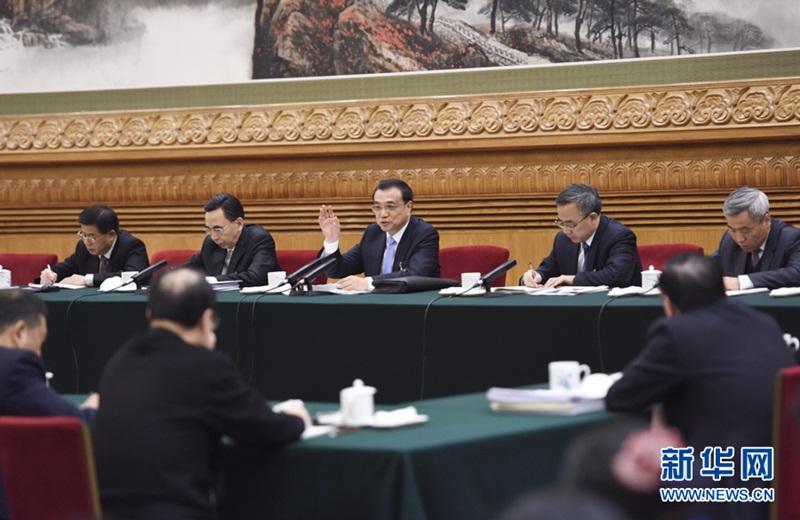شارك لي كه تشيانغ وفد مقاطعة قوانغدونغ في المراجعة