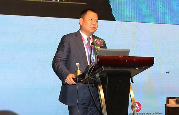 京东集团副总裁、家电事业部总裁闫小兵