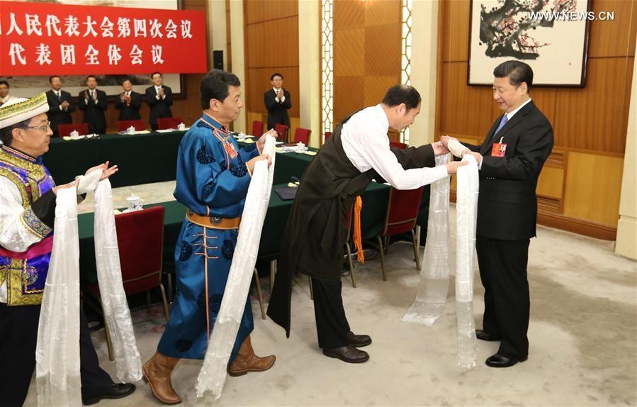 انضم الرئيس الصيني شي جين بينغ الى مشرعين وطنيين من مقاطعة تشينغهاي بشمال غربي البلاد على هامش الدورة البرلمانية السنوية