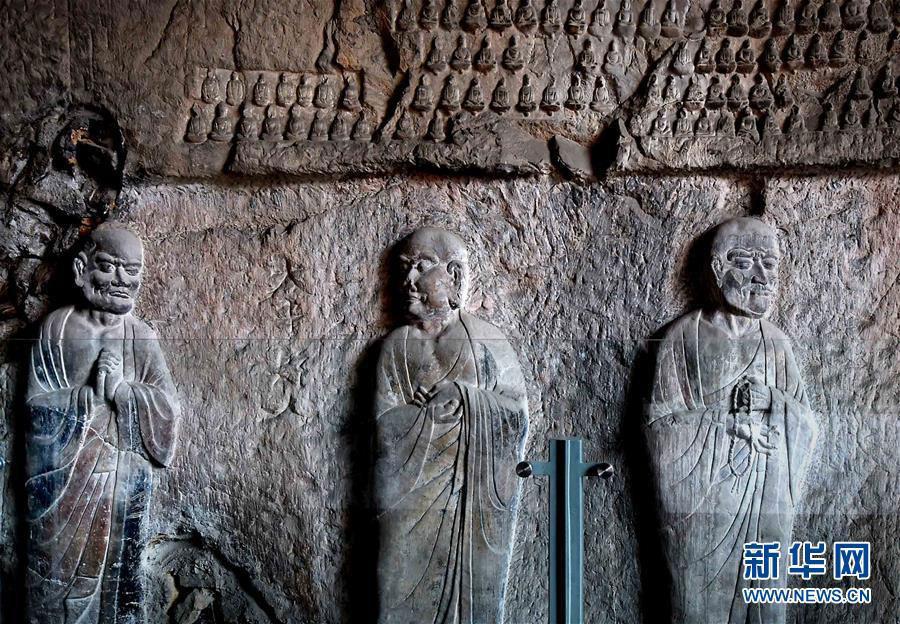 Présentation de statues de la dynastie Tang au public à Luoyang