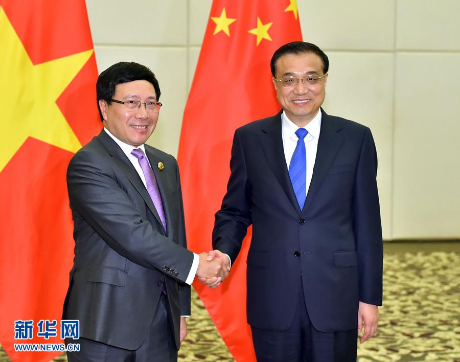 رئيس مجلس الدولة الصيني يلتقي مع نائب رئيس الوزراء الفيتنامي