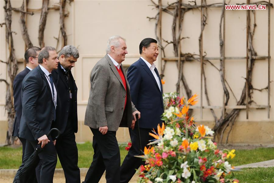 Chinese President Xi Jinping (1st R) meets with Czech President Milos Zeman (2nd R) at the Lany presidential chateau in central Bohemia, Czech Republic, March 28, 2016. Xi started a three-day state visit to the Czech Republic from Monday, the first state visit by a Chinese president in 67 years since the two countries established diplomatic ties. (Xinhua/Lan Hongguang)