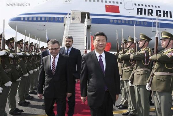 الرئيس الصيني يصل إلى جمهورية التشيك