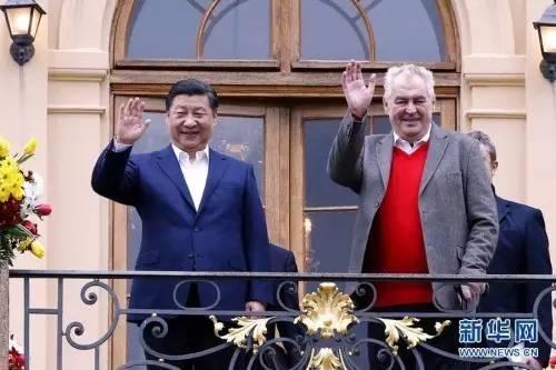 △当地时间3月28日,习近平在布拉格拉尼庄园同捷克总统泽曼举行会晤。