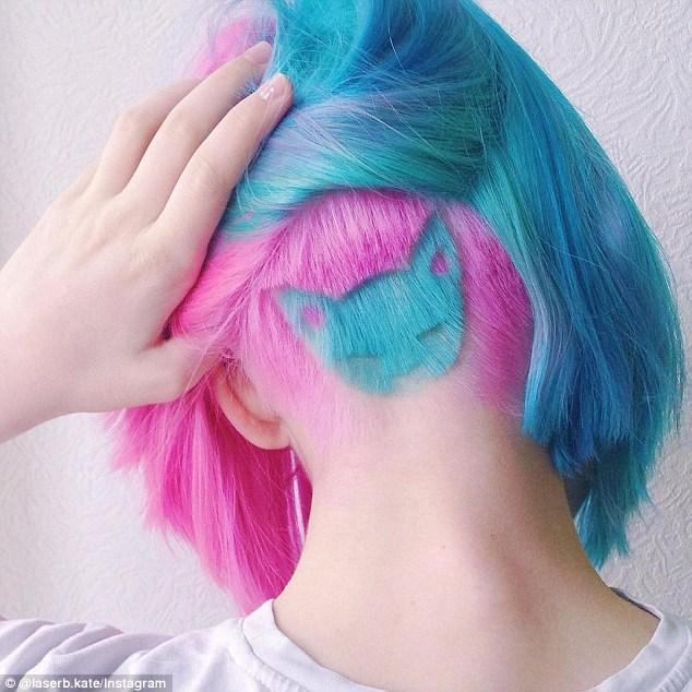 Coupe de cheveux,,avec le visage d