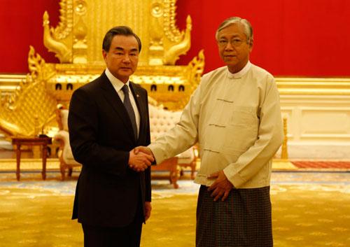 Глава МИД КНР Ван И провел встречу с президентом Мьянмы