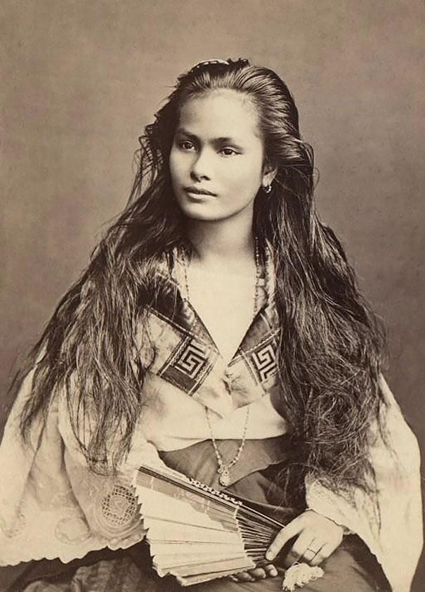 Les femmes sur les cartes postales il y a cent ans