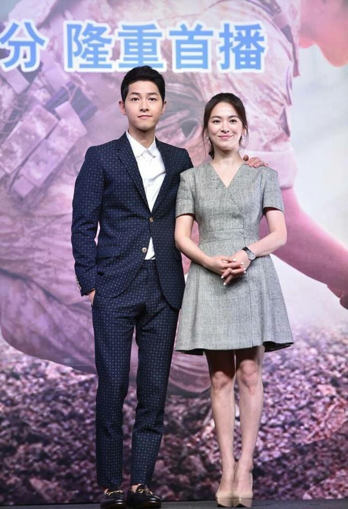 Actores surcoreanos promueven serie en Hong Kong