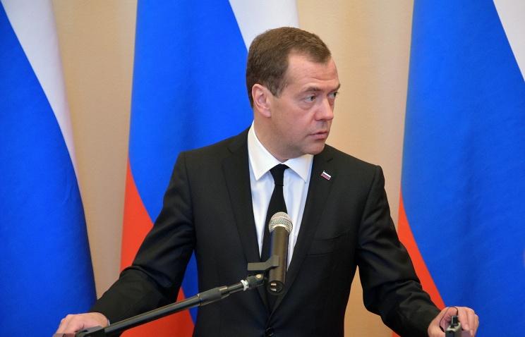 Дмитрий Медведев отправился в Ереван и Баку