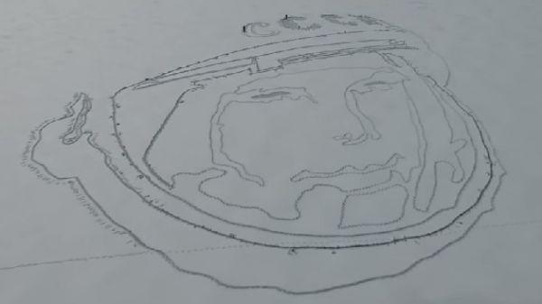 Огромный портрет Гагарина нарисовали на льду озера методом спутниковой графики