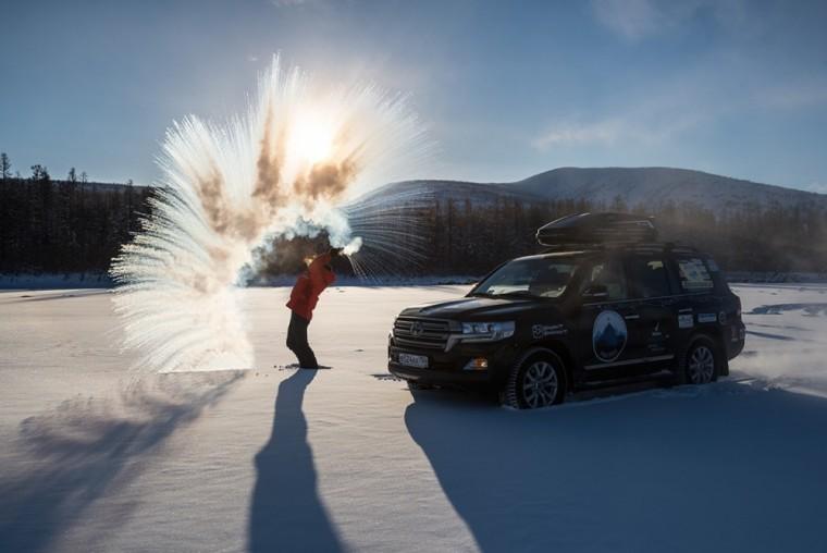 В Иркутске финишировала полярная автомобильная экспедиция