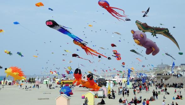 France: les 30èmes Rencontres Internationales de cerfs-volants, c