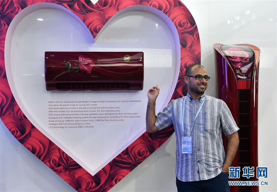 Свою продукцию в Гуанчжоу представили 24 тысячи экспонентов