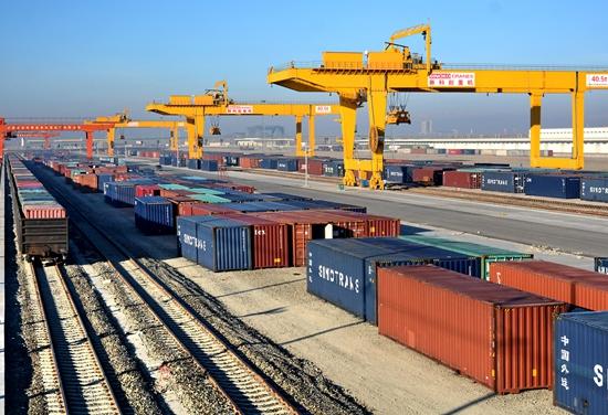 Грузоборот между КНР и Средней Азией через КПП Хоргос превысил 7,6 млн тонн
