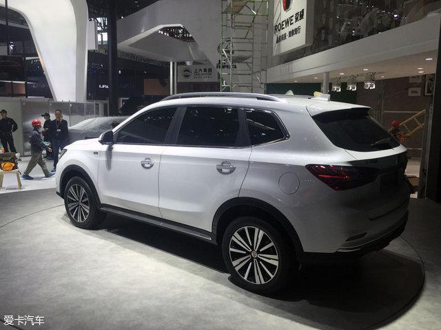造的首款互联网汽车,荣威eRX5将配备阿里自主开发的YunOS操作高清图片