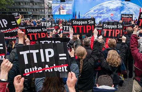 В Ганновере проходит акция протеста против создания зоны свободной торговли США-ЕС
