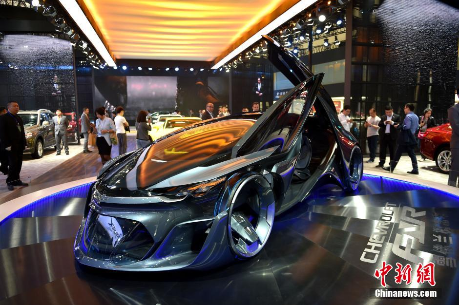 Cheverolet showcases its new model at Beijing International Automotive Exhibition in Beijing, capital of China, April 25, 2016. The exhibition attracted more than 1,600 exhibitors from 14 countries and regions. [Photo: Chinanews.com]