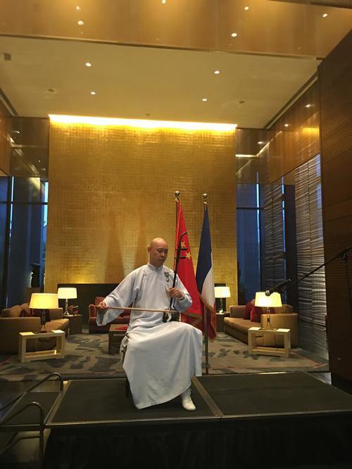 Guo Gan fait Chevalier de l'Ordre des Arts et des Lettres