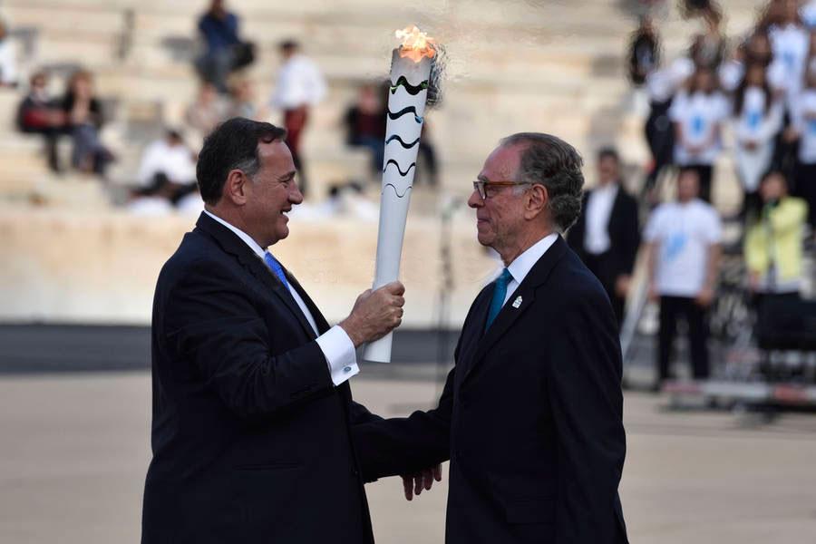Cérémonie de la passation de la torche à Athène