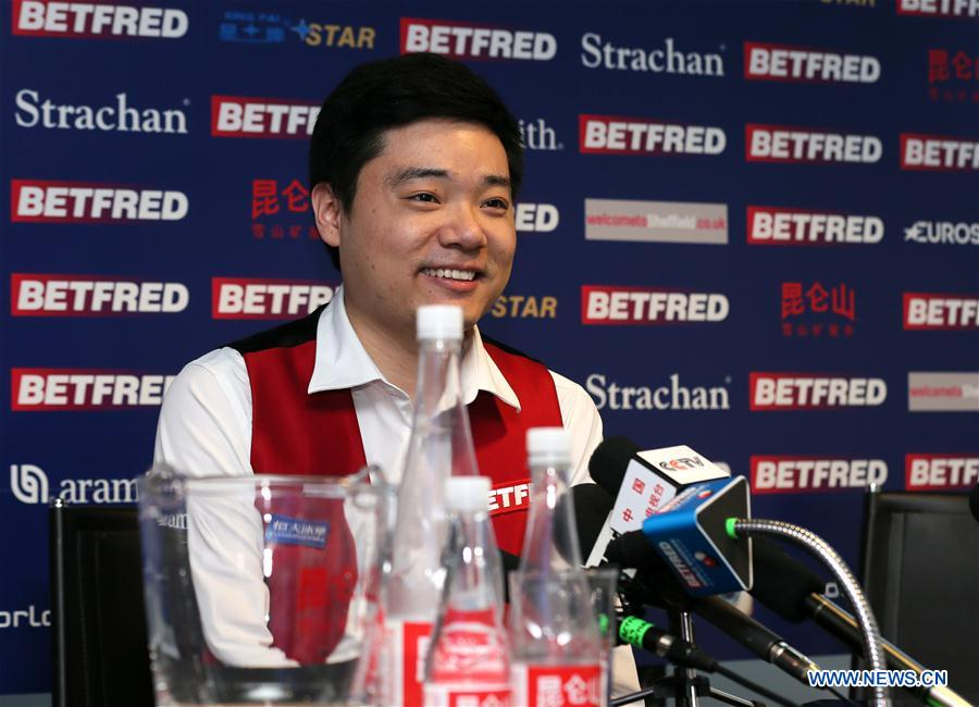 SHEFFIELD, May 1, 2016 (Xinhua) -- Ding Junhui of China smiles during a press conference after the semifinal against Alan McManus of Scotland at the World Snooker Championship 2016 at the Crucible Theatre in Sheffield, England on April 30, 2016. Ding became the first Chinese finalist in the World Championship history after defeating Alan McManus 17-11. (Xinhua/Han Yan)