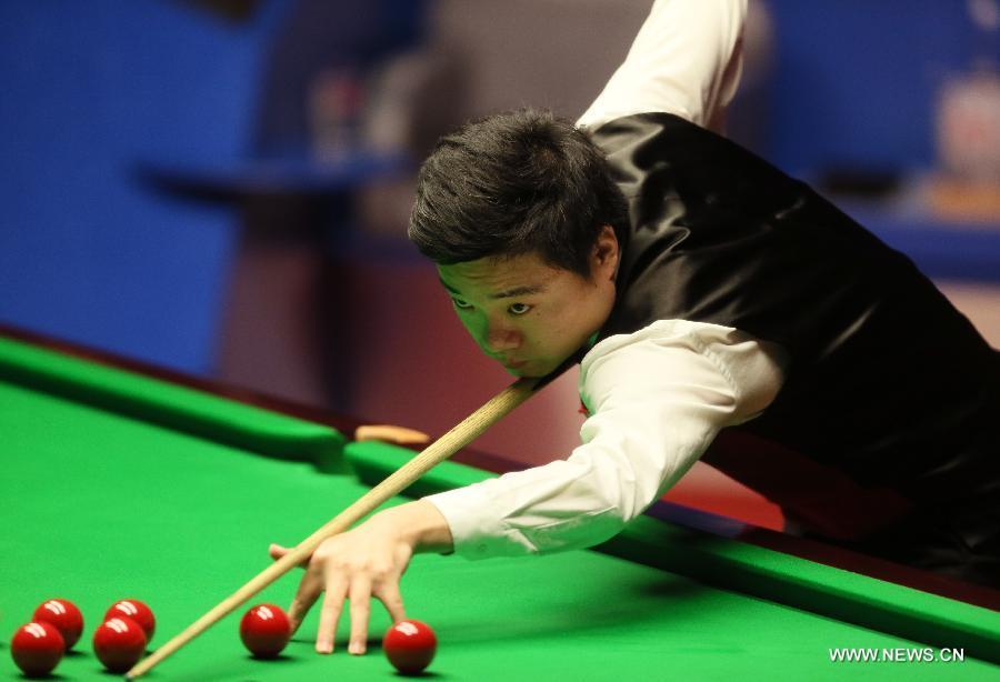 Дин Цзюньхуэй проиграл М. Селби в финале Чемпионата мира по снукеру