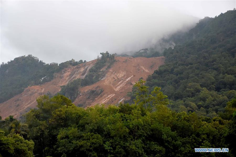 Photo taken on May 18, 2016 shows the site of a landslide in Kegalle District in Sri Lanka. The death toll from Sri Lanka