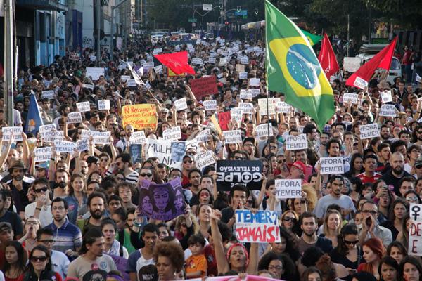Los brasileños se manifiestan en contra del presidente interino Michel Temer