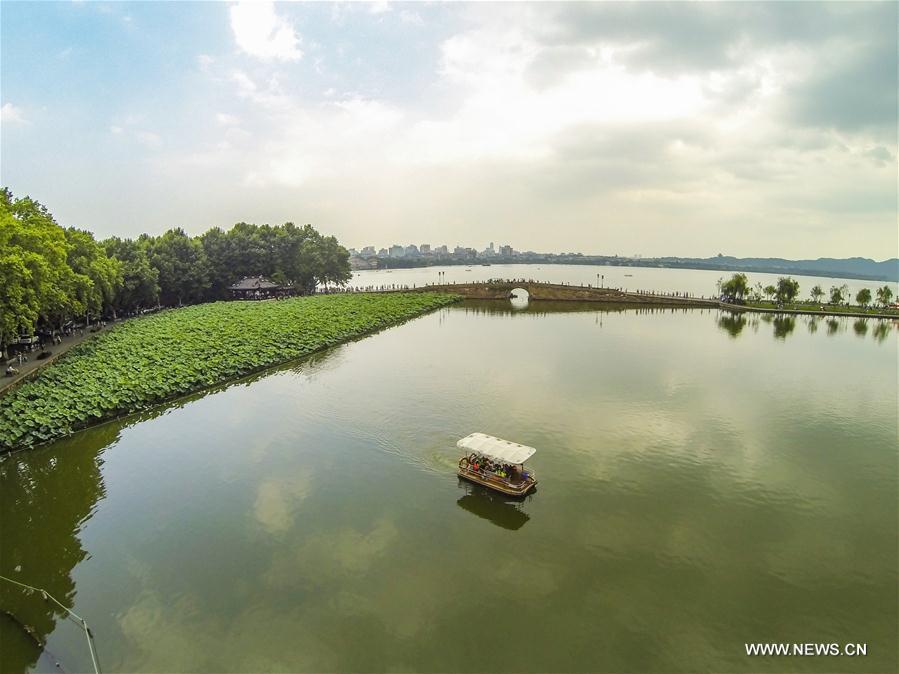 HANGZHOU, 25 mai (Xinhua) -- Vue aérienne du lac de l