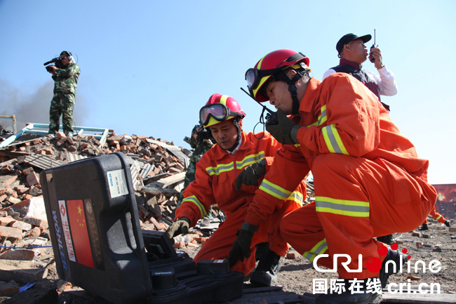 An emergency medical team from Shanghai was granted certification from the World Health Organization this Tuesday, becoming one of the first teams qualified to provide support to populations affected by natural disasters and disease globally.