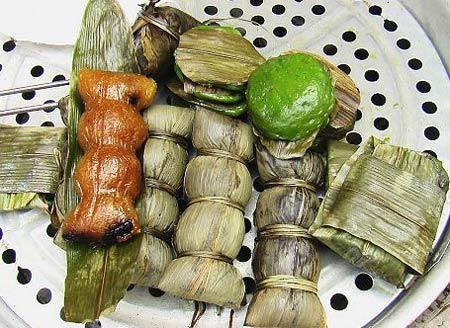 3. Les zongzi salés et carrés du Vietnam Les Vietnamiens mangent des zongzi salés et de forme carrée lors de la fête des Bateaux-Dragons. Fourrés d