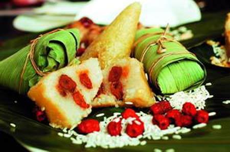 7. Les zongzi philippins De forme allongée, les zongzi philippins ont le même goût que ceux préparés dans la province chinoise du Zhejiang. Au Philippines, c