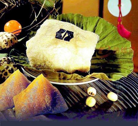 10. Les zongzi mexicains Appelés tamales, les zongzi mexicains sont faits de farine de maïs nixtamalisée et fourrés de viande émincée et de piment. Enveloppés dans des feuilles de maïs ou de banane, ils ont un goût unique.