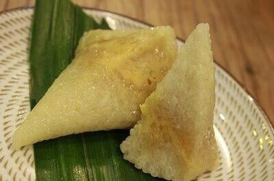 1. Le zongzi au durian Ce zongzi ne laisse personne indifférent : ceux qui aiment le goût du durian en raffolent, mais il rebute à coup sûr ceux qui détestent ce fruit particulier. Qui a eu l