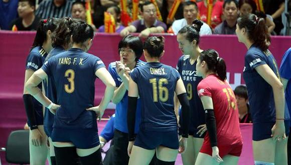 Zhu Ting top scored for the third successive night as China wrapped up the first weekend of 2016 FIVB World Grand Prix by beating defending champions USA 3-1 (25-20, 25-19, 15-25, 25-23) in the FIVB volleyball World Grand Prix here on Sunday night.