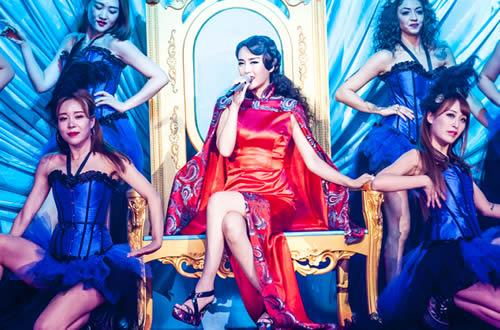 杨子一选的歌曲是《王妃》,这首萧敬腾的歌曲被她演绎的别有