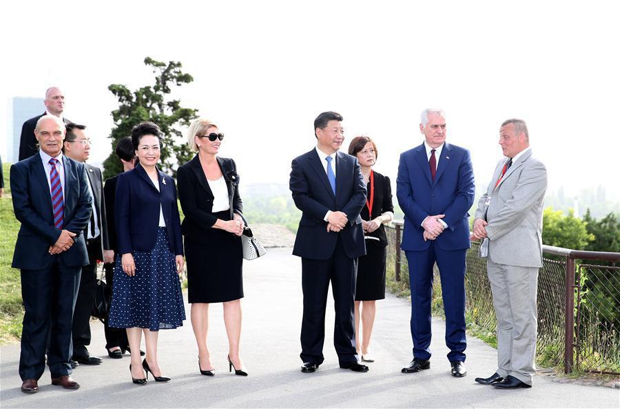Le président Xi poursuit sa visite en Serbie