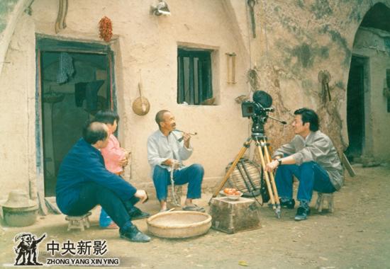 80年代中期,驻陕西站时拍摄窑洞人家。