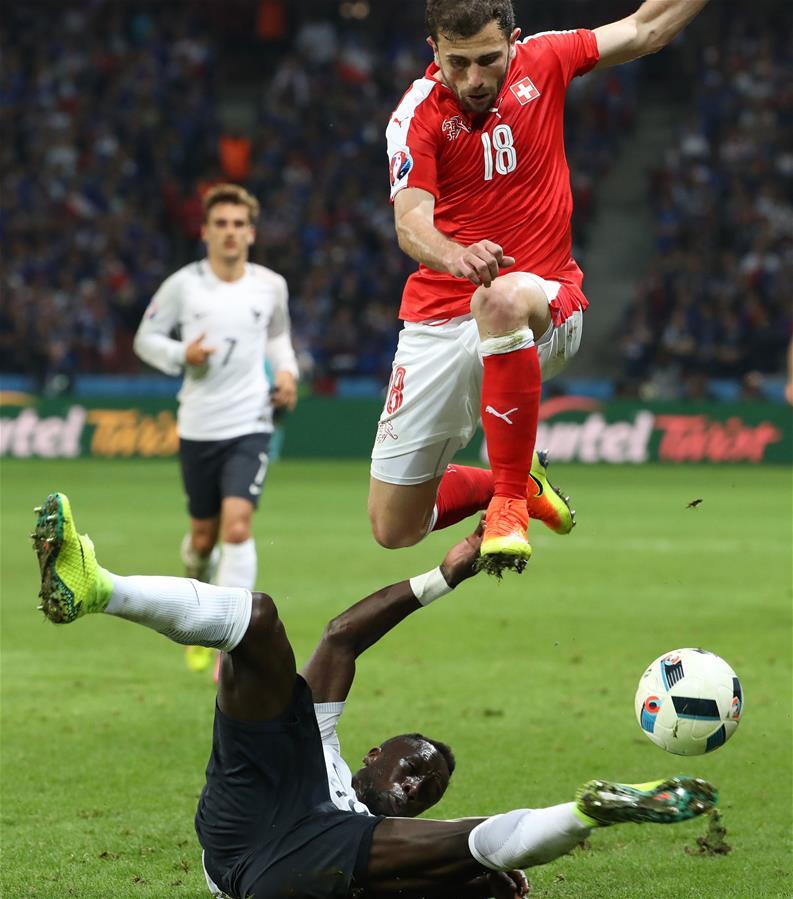 Euro 2016 : 0-0, la France et la Suisse qualifiées