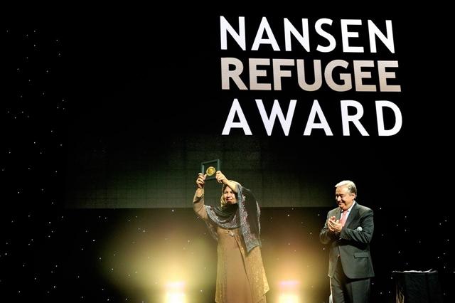 مقابلة خاصة مع الفائزة بجائزة نانسن لعام  2015 عقيلة آصفي