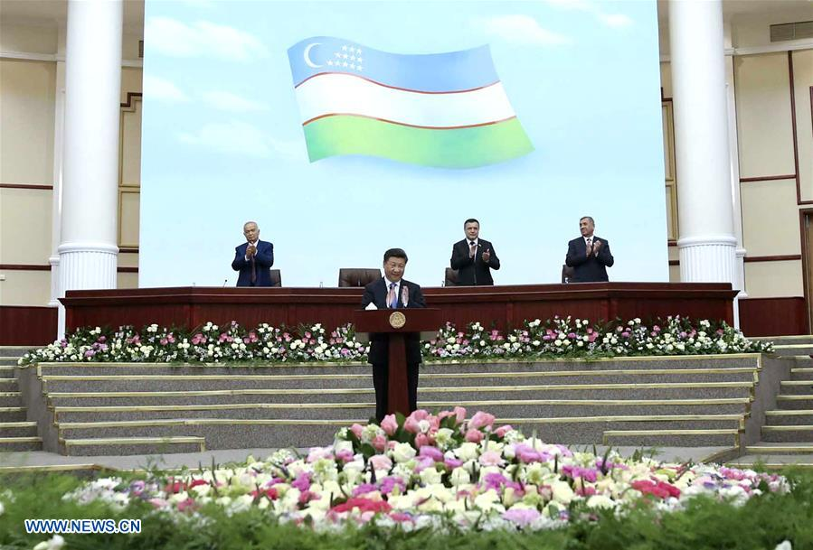 Chinese President Xi Jinping delivers a speech at the Legislative Chamber of the Uzbek Supreme Assembly in Tashkent, Uzbekistan, June 22, 2016. (Xinhua/Lan Hongguang)