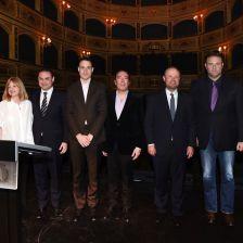 男高音约瑟夫·卡列哈与马耳他政府及网络平台代表共同启动学习平台